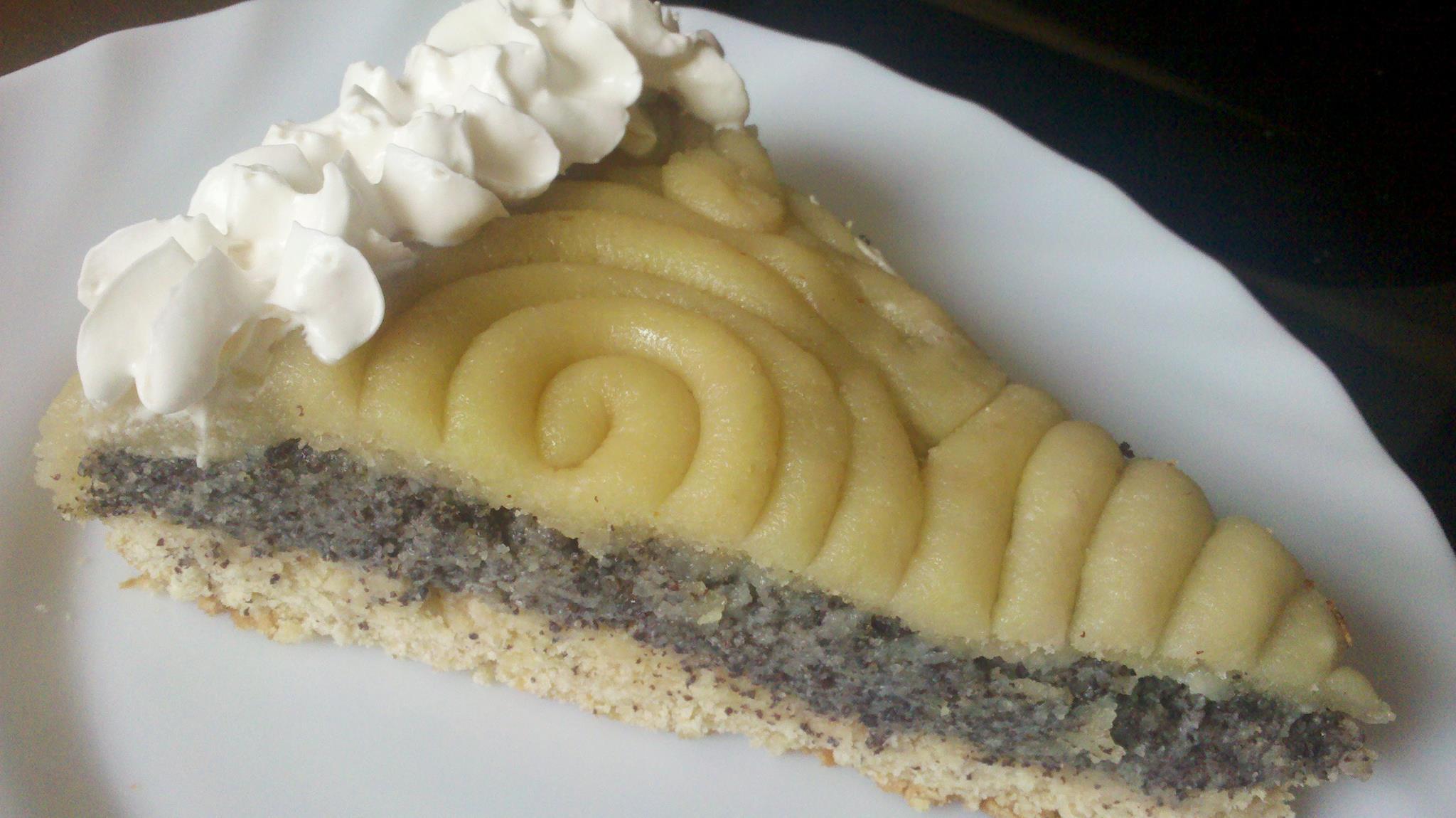 Mohn Marzipan Kuchen Mit Sojaschlagsahne Steine